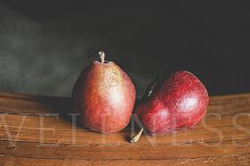 Red Pears Still